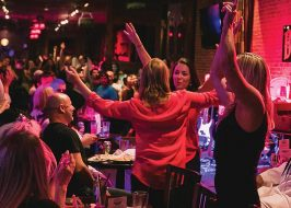 Barrel Room's Dueling Pianos Show is FREE Friday & Saturday