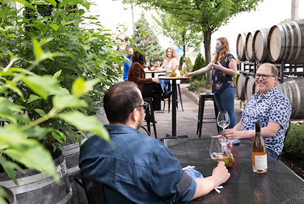 Boedecker Cellars tasting outside